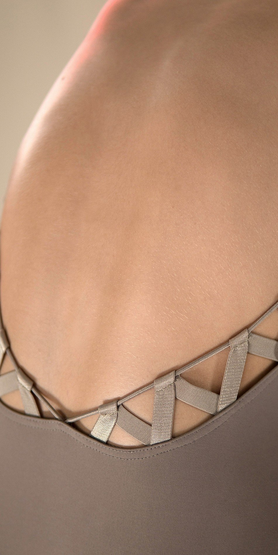 CHEVRON long sleeve laced back leotard khaki 4 r 2