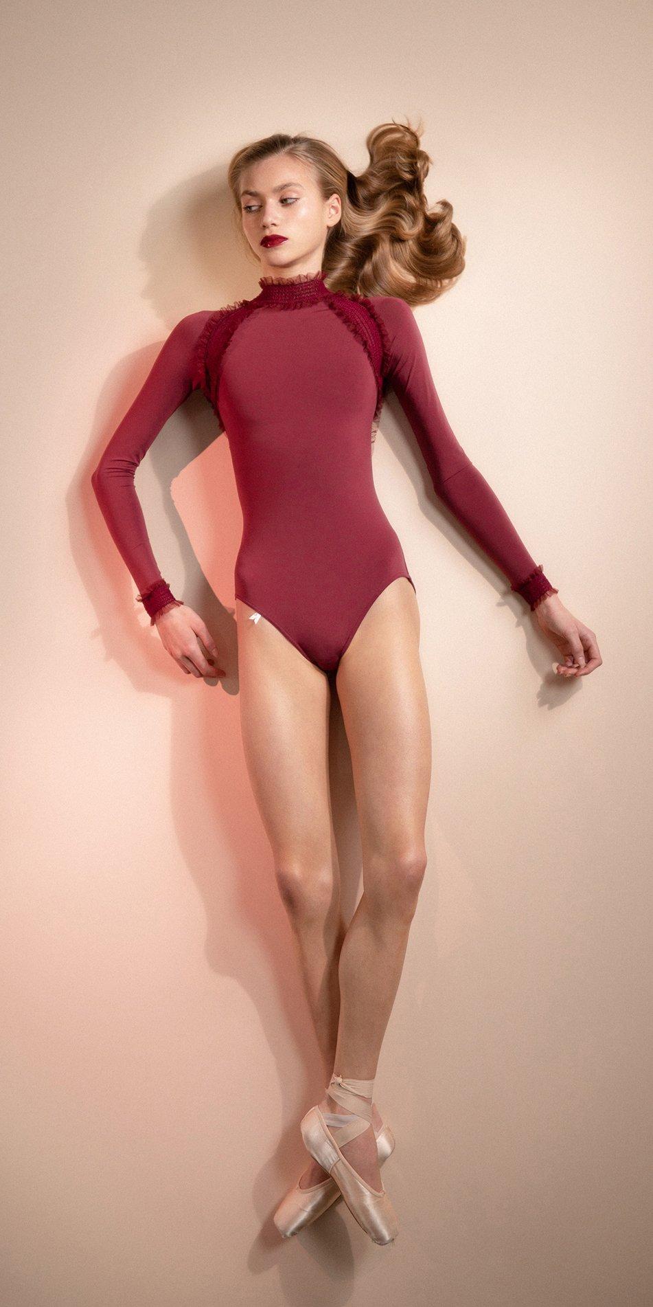 ELEANOR – red backless leotard 3