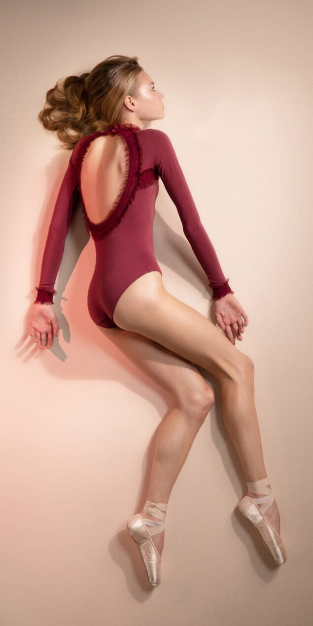 ELEANOR – red backless leotard 4