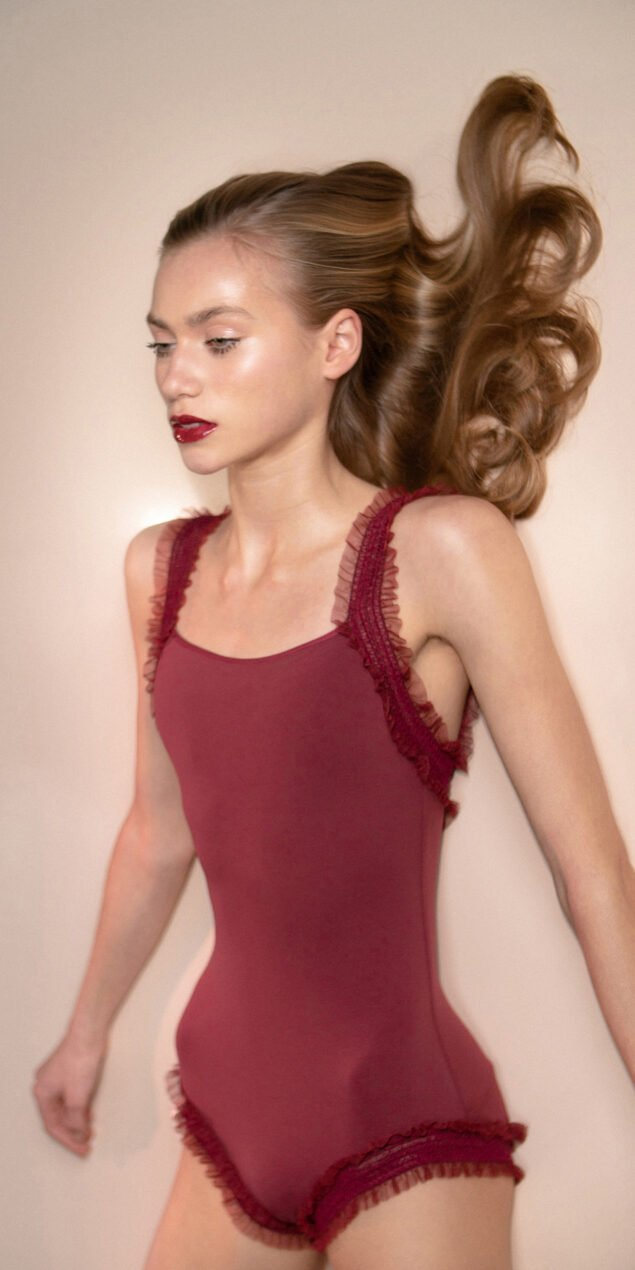 ELEANOR – red leotard with straps 1