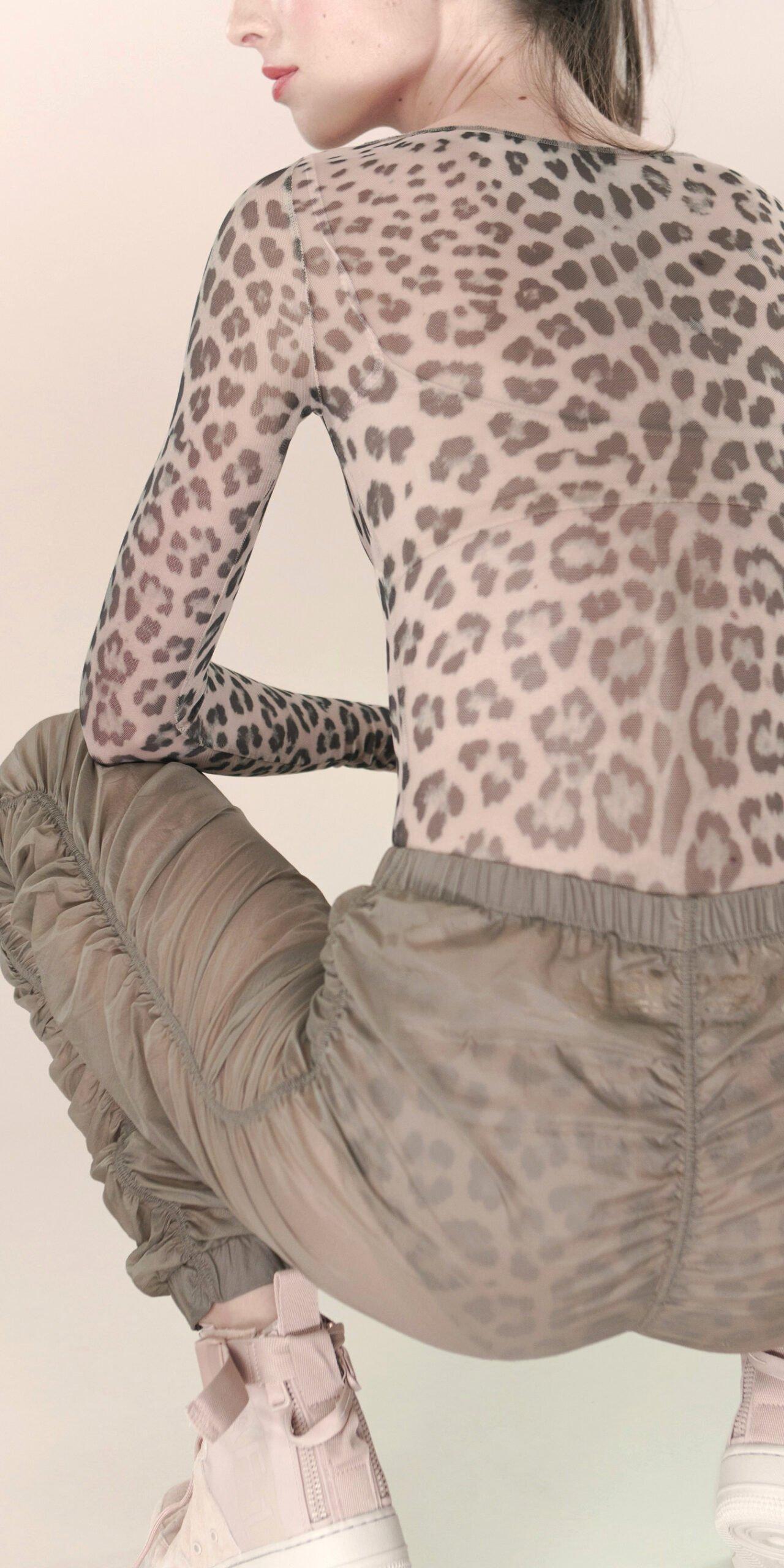 PARA CUTE pants khaki 3