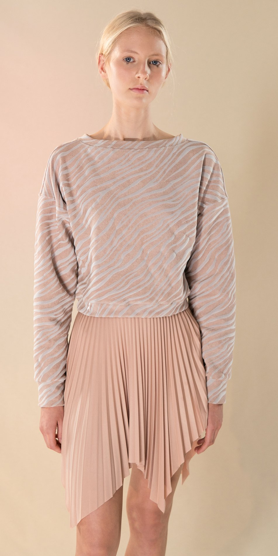 SUN RAY pleated short skirt nude 2