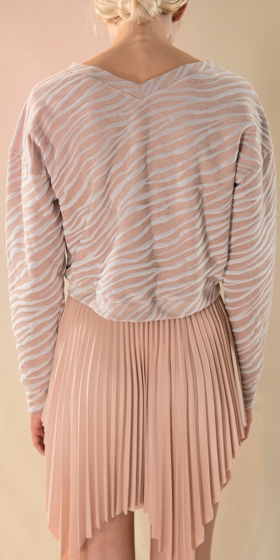 SUN RAY pleated short skirt nude 3