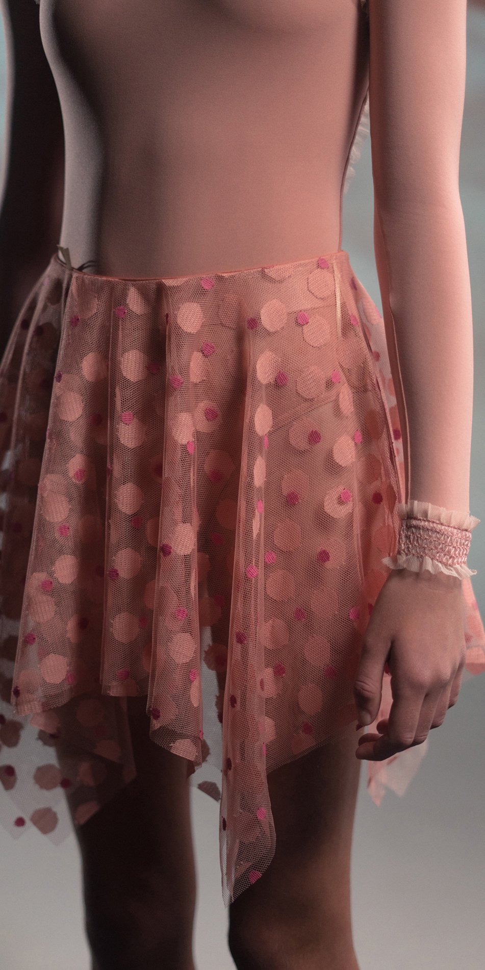 JUNIOR JUNIOR JUMBO TULLE blush square skirt 2