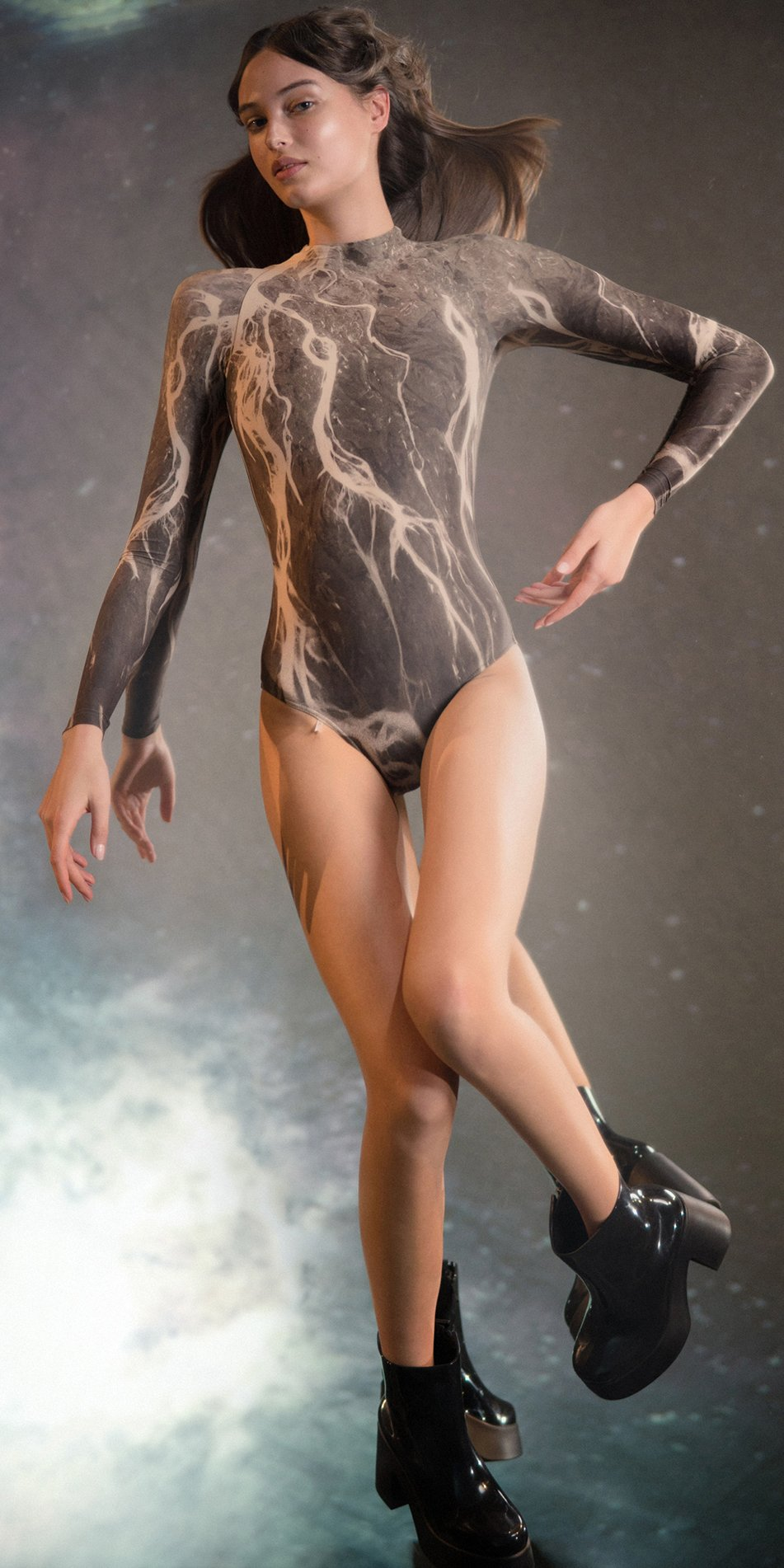 DELTA low back leotard with long sleeves chocolate 1