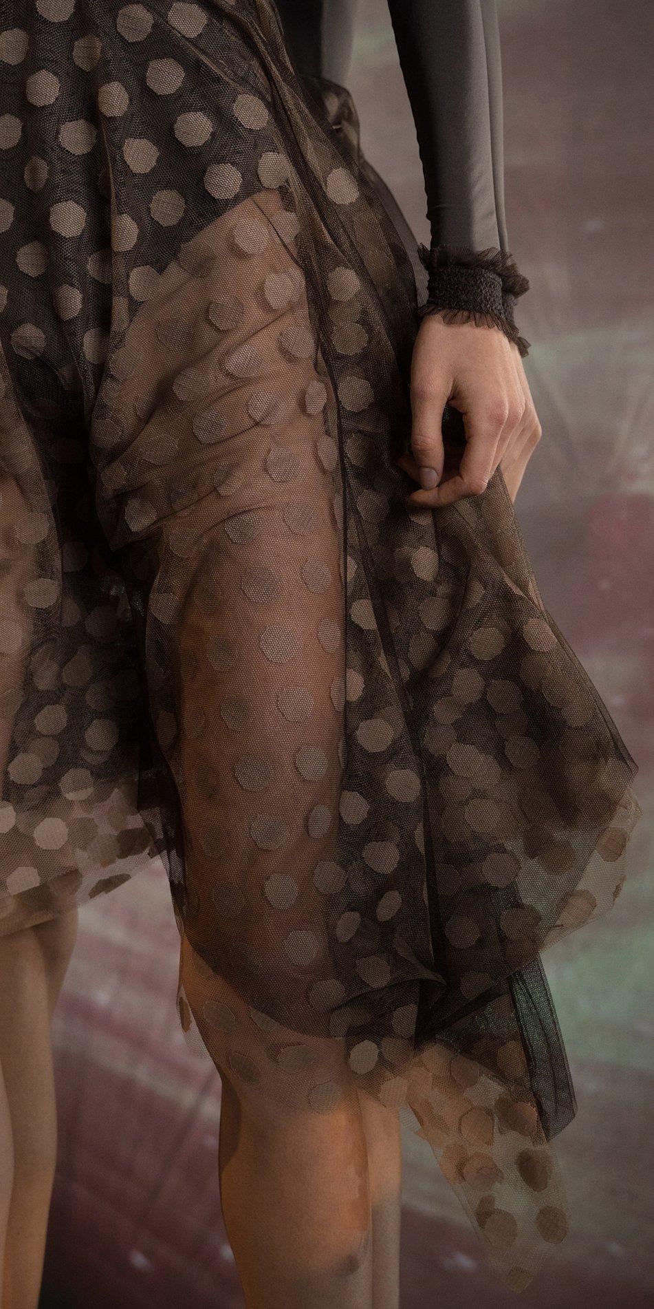JUMBO POLKA TULLE long square skirt chocolate nude 5