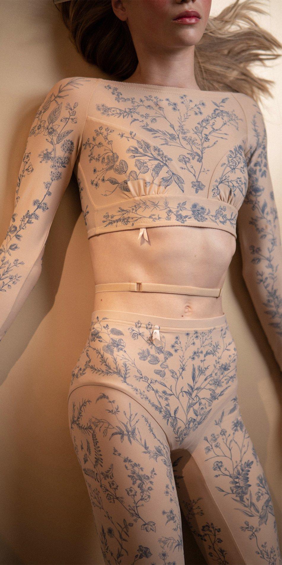 BLOOMY indigo crop top with long sleeves 2