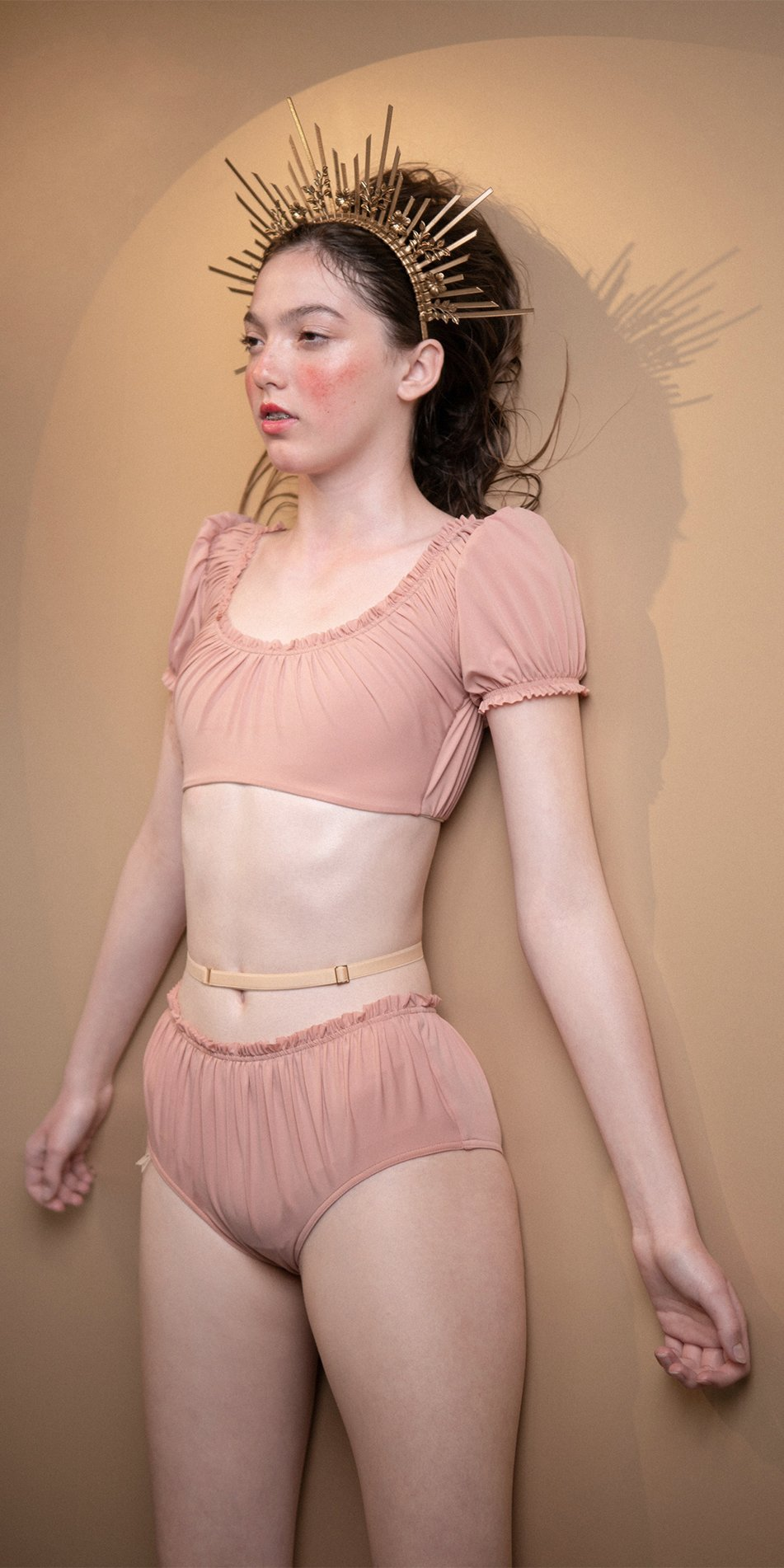 MAIDEN blush crop top with short puff sleeves 7