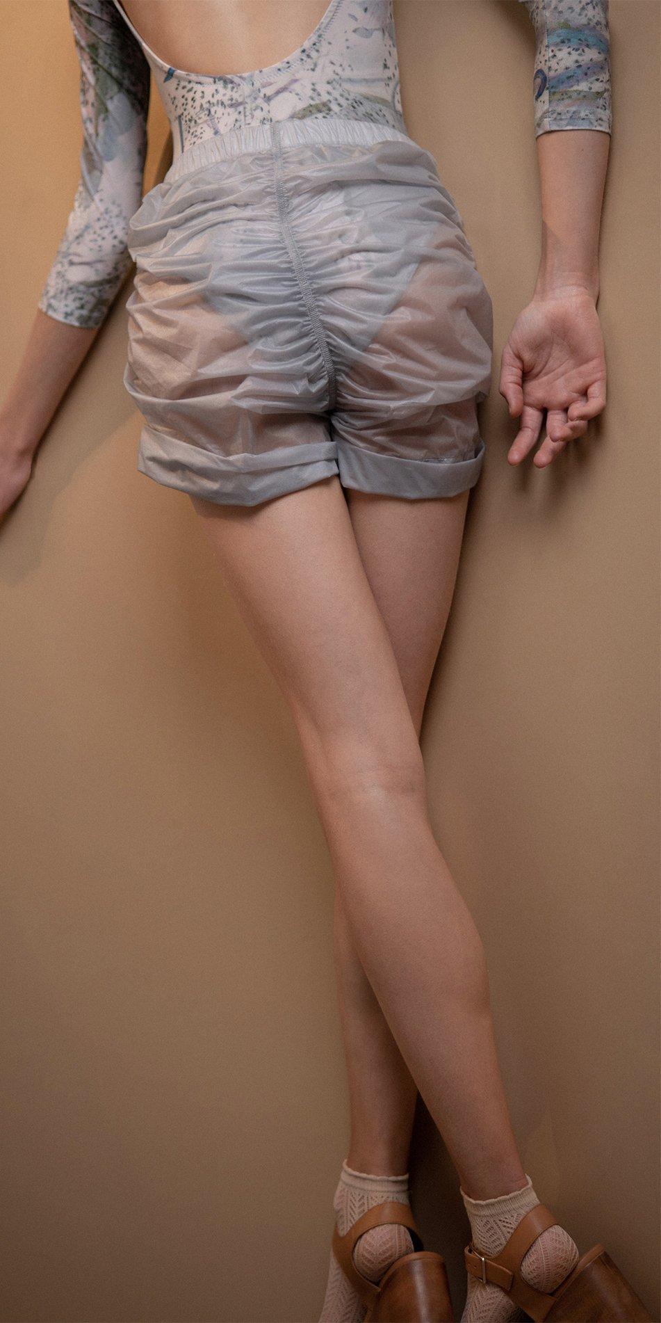 PARA CUTE ice draped shorts 2