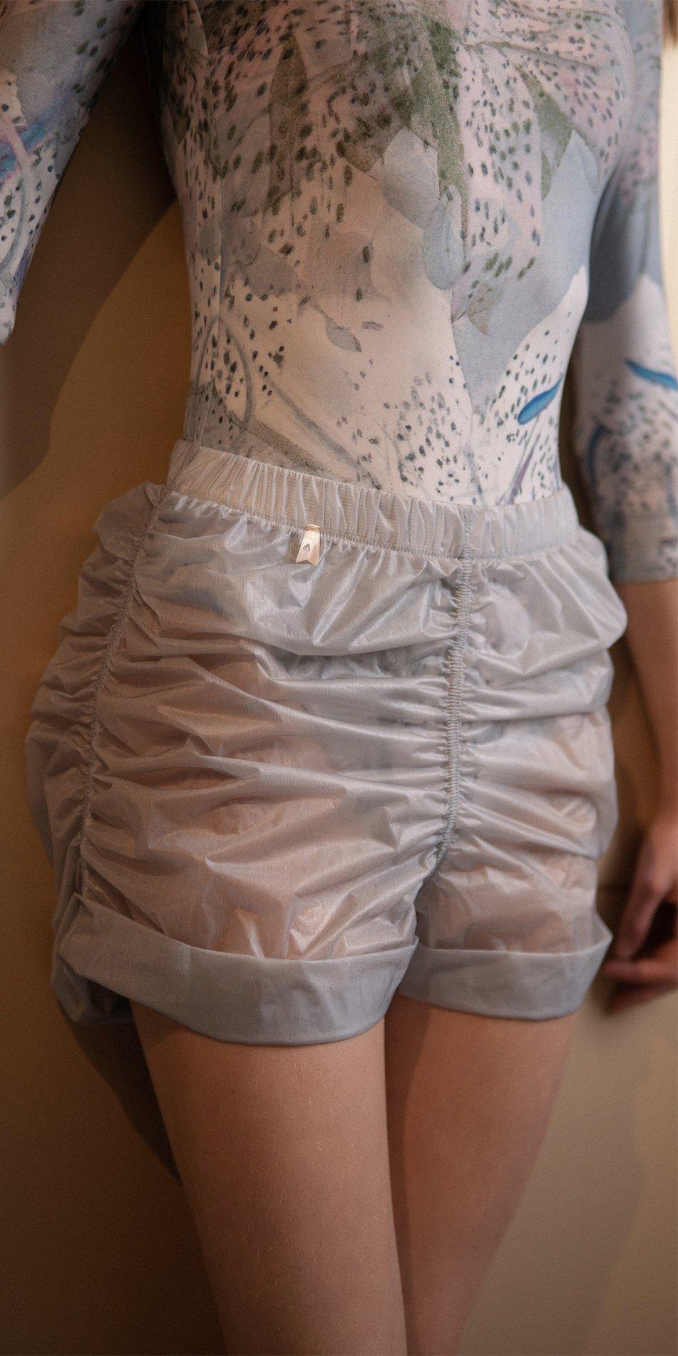PARA CUTE ice draped shorts 5