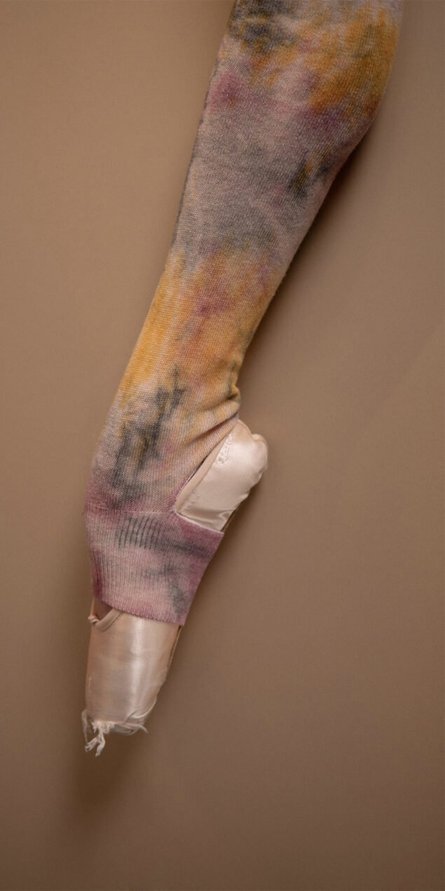 TIE DYE KNITWEAR exclusive hand dyed leg warmers burgundy 6