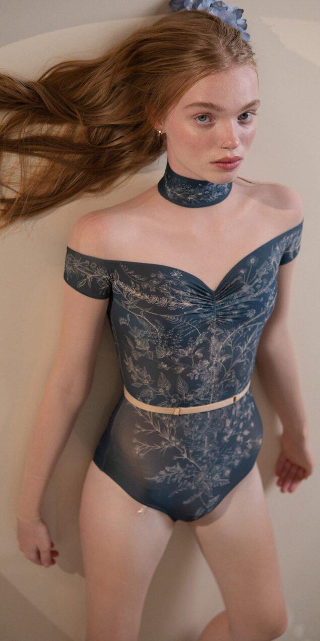 BLOOMY SWEETHEART – off shoulder mesh decolette leotard with sleeves – blue marine 3