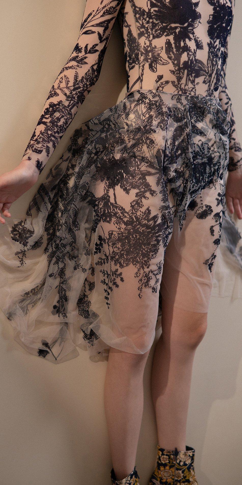 BLOSSOMS – second skin flock print skirt – indigo 2